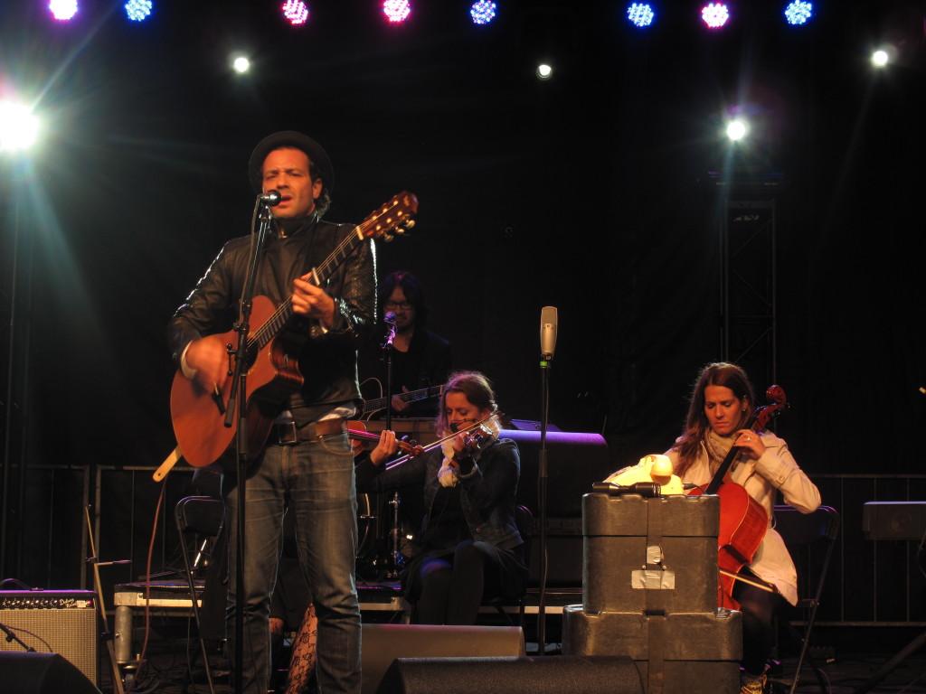 Adam Cohen at the Ottawa Folk Festival. Photo: Joseph Mathieu